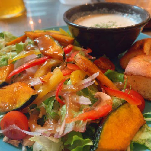 揚げカボチャとキノコのサラダ&ポタージュスープ